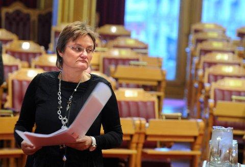 STATSRÅD-ERFARING: Rigmor Aaserud har flere års erfaring som statsråd. Her fra en debatt i Stortinget i 2010. Nå ønsker hun seg flere store grønne prosjekter å løfte fram.