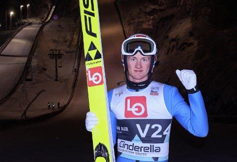 YES! Thomas Aasen Markeng hadde all grunn til å juble etter at han nesten hoppet bakken ned i sitt comeback i Vikersundbakken lørdag.