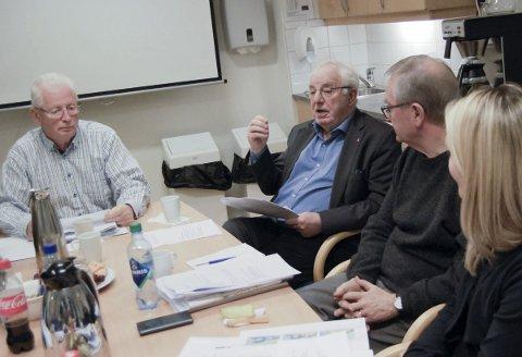 Plan- og byggekomiteen: – Plankomiteen skal gjøre innstilling til formannskap og kommunestyre, sa Arne Hillestad (Frp) og viste til kommunens reglement. Endelig godkjenning av forprosjektet for Rustad skole ble dermed ikke vedtatt onsdag. foto: solveig wessel