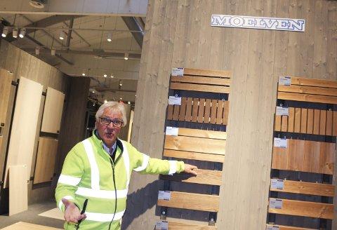 STOLT: Daglig leder Ingar Norum hos Ski Bygg AS er stolt over hvordan butikken er blitt etter at den ble pusset opp og ommøblert.