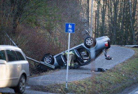 SIGGERUD: Det var én person i bilen da ulykken inntraff onsdag. Foto: Eirik Løkkemoen Bjerklund