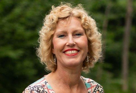 Regiondirektør i NHO, Kristin Saga, oppfordrer alle medlemsbedrifter å tenke kreativt rundt julebordet.