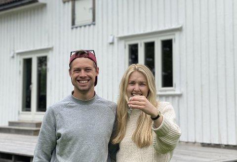 LIVET PÅ LANDET: Hanna Røsholt Hansen og Herman Hegdahl skap pusse opp et småbruk i Hedrum sammen.