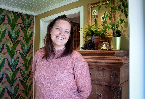 GJENBRUK: Interiørdesigner Kine Holtan er glad i å mikse gammelt og nytt i hjemmet sitt på Tveteneåsen.