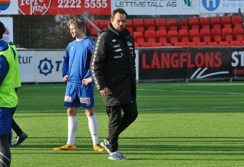 PASSE FORNØYD: Yngve Sandbuløkken falt ikke av stolen da han så oppsettet til 1. runde i cupen. Det var vel akkurat som forventet, konstaterer Nybergsund-treneren.