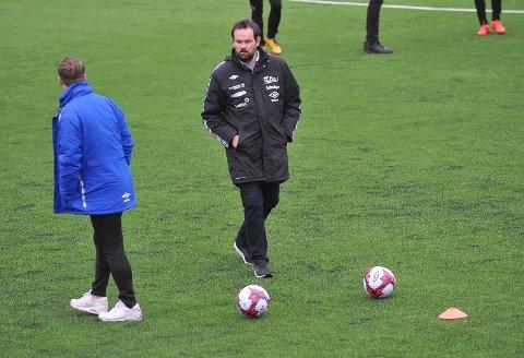 NYTT TAP: Sundet-trener Yngve Sandbuløkken fikk se laget hans tape for tredje gang på rad.