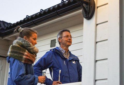 Dør til Dør: Karoline Aarvold og Tom Mello pratet med flere av innbyggerne i kommunen. Engasjementet var stort og de fikk med seg en lang liste over ting som er viktig for folk.