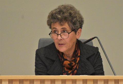 Karen Lie (Ap) er bekymret for sommertrafikken over Brøtsø.