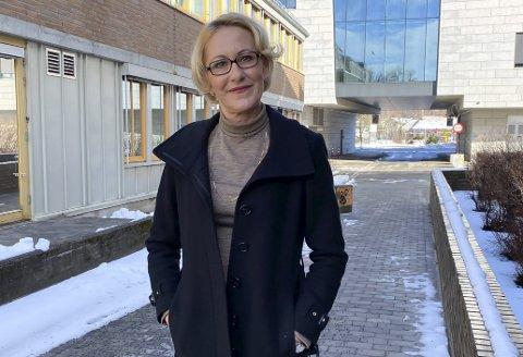 UTFORDRENDE: For Lene Lindflaten har koronaåret vært utfordrende både privat og profesjonelt. Nå ser hun fram mot bedre tider.