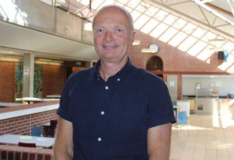 Rektor Hermod Håtveit har ventet espent på det endelige vedtaket om bygging av ny videregående skole på Grasmyr. Tirsdag 7. september fattet fylkestinget vedtak om at skolebyggingen kan starte allerede i høst.