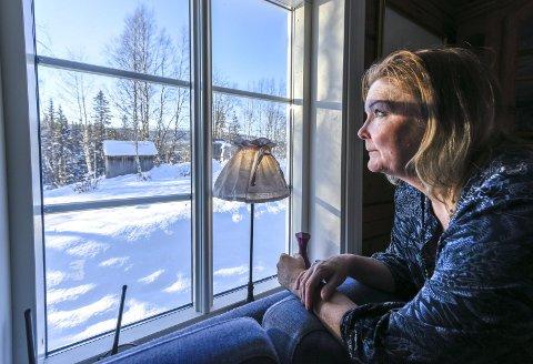 Marita Grönlund har overlevd kreft i bukspyttkjertelen, to ganger. Nå velger hun å se framover, og er opptatt av å være her og nå.
