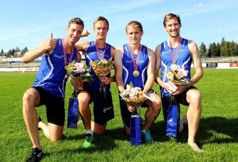NM-vinnere: Jørgen Kåshagen, Håvard Bendtdal Ingvaldsen, Carl Emil Kåshagen og Mauritz Kåshagen vant NM-gull i stafett. De gode løperne lokkes av andre klubber som vil vinne gull i stafett neste år. De gir gutta et dilemma.