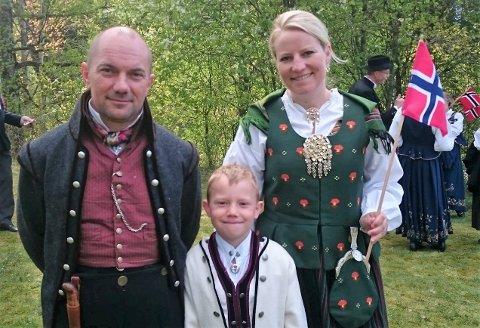 TRIVES SAMMEN: Atle Askilsrud (49) og Kjersti Olberg (40) har sønnen Håkon (12) sammen.