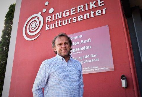 RINGERIKE KULTURSENTER: Tage Hybertsen ved kultursenteret sier vi har mye å glede oss til.