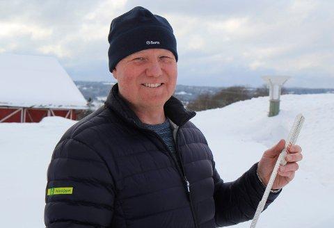 OBSERVATØR: Morten Lyshaug på Ukkestad gård i Nannestad.