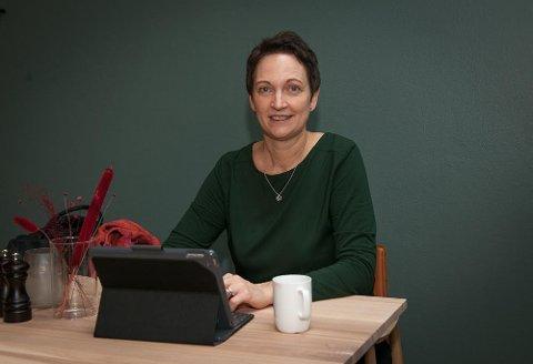 Katrin har god kontakt med arbeidslivet, som hun finner jobbkandidater til gjennom jobben sin i NAV.