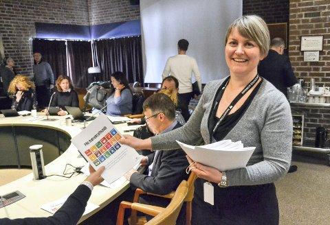 INVITERER: Kommuneplanlegger Anne Therese Anvik inviterer innbyggerne til fire folkemøter i uke framover. Hun håper mange dukker opp.