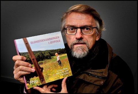 Turbok: Jan Ingar Båtvik er en av de tre forfatterne bak boken «Blomstervandringer i Østfold», som er ute nå på Gyldenstierne forlag.