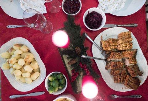 På landsbasis er det svineribbe som går av med seieren som den mest utbredte julematen på norske middagsbord på selveste julekvelden. 44 prosent av befolkningen oppgir at de velger ribbe på julaften.