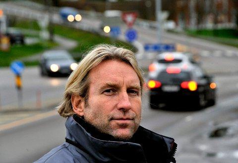 SØKER SELV: Raymond Bredo Larsen har gått fra Statens vegvesen til Viken fylkeskommune. Nå vil overingeniøren, som tidligere har avslått søknader om nedsatt hastighet i Oldtidsveien, søke om senking av fartsgrensa på en liten del av nevnte vei.