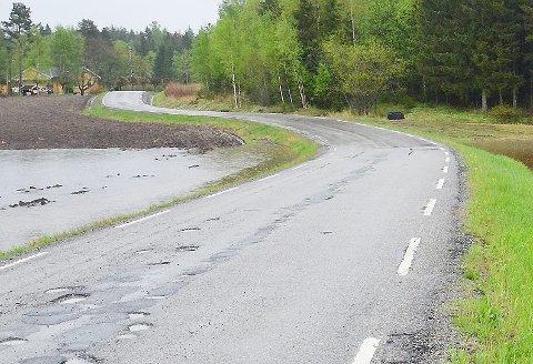 Fylkesvei 1034 Mørkveien være stengt for all trafikk på nordsiden av arenaen, som ligger ved Mørk Golfbane.