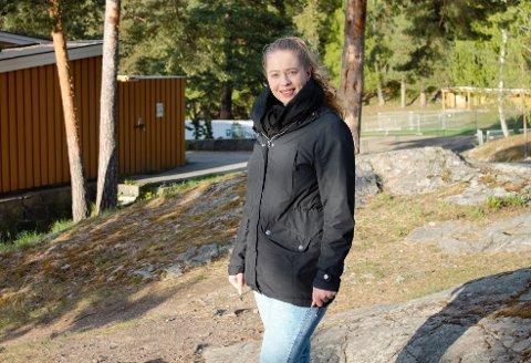 ELSKER JOBBEN: Martina Helleberg Ringnes måtte være kreativ da hun sto uten jobb.. Nå har hun en lønn hun kan leve av, forteller hun. Foto:privat