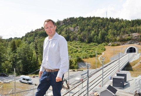 SOM VEDTATT: Ordfører Robin Kåss er fornøyd med at Nye veier i all hovedsak holder seg til kommunens vedtak fra 2015. Nå kommer forslaget fra Nye veier til politisk behandling.
