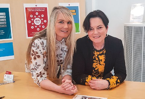 INVITERER: Annette Engravslia og Eva Rekdal ved NAV Notodden inviterer både arbeidsgivere, utdanningsinstitusjoner og jobbsøkere til å møtes for å snakke om barnehagejobber.