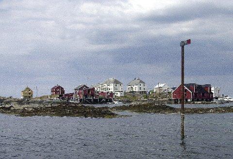 TURISME: Smøla kommune har tiltro til at eieren av Hallarøya, Sverre Taknes, kan utvikle turismen på øyene han eier i landskaps-vernområdet.