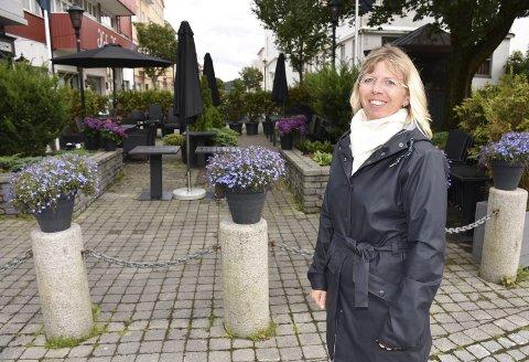 PÅ JOBB ETTER SOMMERFERIE: Elin Kanck Lorentzen i utviklingsselskapet Undine AS i Kristiansund mener det går fint å være 100 prosent fra første dag etter ferien, og at positive holdninger kan hjelpe deg å få til det du vil.