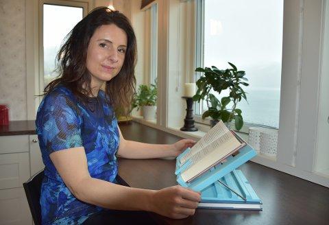 SPØR MEST: Surnadalingen Jenny Klinge (Sp) er den som stiller desidert flest skriftlege spørsmål av politikarane på Mørebenken på Stortinget.