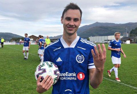 KJAPP: Sander Smevoll scoret fire mål da Surnadal banket Midsund. Tre av målene - hattricket - kom i løpet av tre minutter i 14-0-seieren mot Midsund. Det plasserer surnadalingen i et ganske så gjevt selskap av navn bak tidligere raske hattrick på fotballbanen