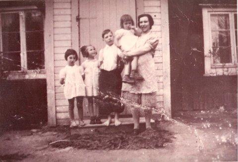 PÅ FLUKT i 1942: Bestemoren til Pål André (til høyre) måtte flykte til Sverige under krigen fordi romanifolket var forfulgt.