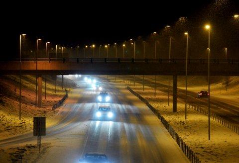 VEDLIKEHOLDSARBEID: Det vil være nedsatt hastighet og innsnevringer på E18 mandag kveld og natt.
