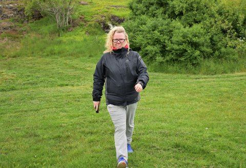 TURRADIO: Marianne Aakermann har snart gått daglige turer i 350 dager. Nå tar hun med seg lytterne på stien.