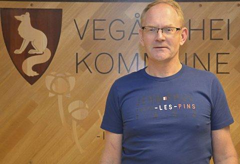 Ordfører Kjetil Torp er allerede vaksinert mot korona. Det har skapt reaksjoner.