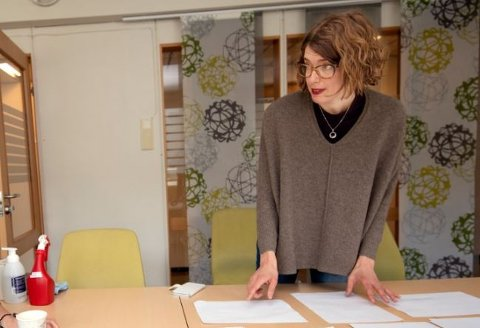 Assisterende kommuneoverlege, Marie Nordvi, beroliger Lillehammers befolkning med at de har kontroll på situasjonen.