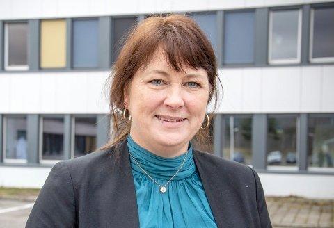 KREVENDESTART:Rektor Randi Michaelsen på Bjertnes forteller at mange har sendt melding om at de holder barna hjemme.