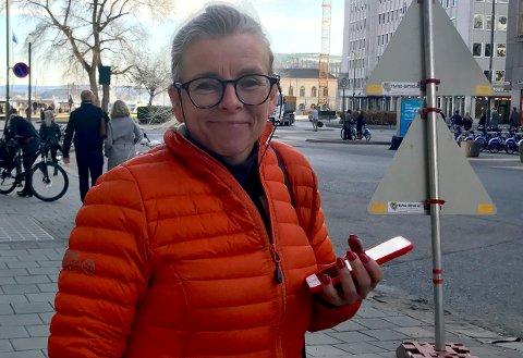 Klar: Kommunalsjef for teknikk, miljø og plan, Anne Dybevold, sier at folk bør finne andre plasser å bade fram til situasjonen omkring vannforholdene syd for Alværn båthavn blir avklart. FOTO: Arkiv