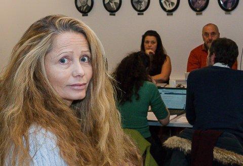 Evelyn Farbrot er leder i Utdanningsforbundets lokallag på Nesodden, og er ikke fornøyd med at lærere i skoler og barnehager ennå en gang må ta risikoen for smitte som en del av arbeidshverdagen.