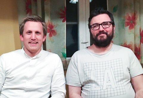 Fagforbundet i Røros og Røros SV har undertegnet samarbeidsavtale. Her representert ved fagforbundsleder René Holm (til høyre) og SV-leder Christian Elgaaen.