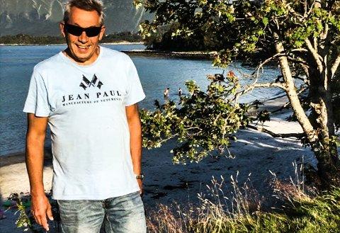 SOMMERGLEDER: Bading, fisking og grilling er blant sommerenes favorittgjøremål for Per Yngvar Lunde.