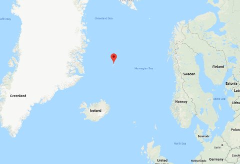 Jan Mayen ligger relativt isolert nordvest ute i Norskehavet, nærmeste avstand til annet land erGrønland 460 km mot vest, mens det til Island i sydvest er 560 km, Svalbard i nordøst 990 km, og Fastlands-Norge 910 km.
