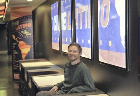 Håkon Tveit var klappet og klar for å arrangere sin latinamerikanske filmfestival 12. mars. Så ble alt stengt. Nå arrangeres Cine Latino på nytt på Bergen Kino.