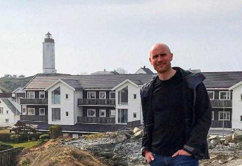 Leies ut: I bygget bak Ronny, tilbyr kommunen en familie å prøvebo i forbindelse med Kvitsøy 360 grader prosjektet.