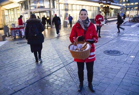 Birgitte Østensen er konduktørleder i NSB. Denne dagen hadde de med seg 1.500 til pendlerne i morgenrushet.