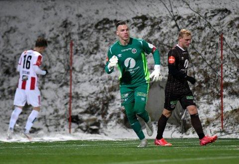 Tromsø 20211024.  Mjøndalens keeper Idar Nordby Lysgård  under eliteseriekampen i fotball mellom Tromsø og Mjøndalen på Alfheim Stadion. Foto: Rune Stoltz Bertinussen / NTB