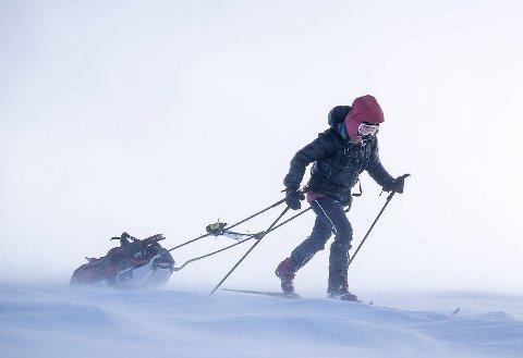 HVITT: – Alt var hvitt, vi så hverandre men ikke noe mer, forteller Astrid Røren og Vidar Moen. FOTO: Kai-Otto Melau/Xtremeidfjord