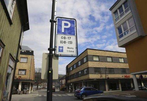 De nye parkeringsreglene i Mjøndalen sentrum har trådt i kraft.