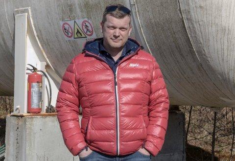 NABOAR OG PÅ LØNSTOPPEN: Hans Kristian Ulvestad tente best blant alle i Jølster i 2017. På andreplass finn vi Frode Svidal. – Det var ekstra morosamt å slå naboen, seier Ulvestad.